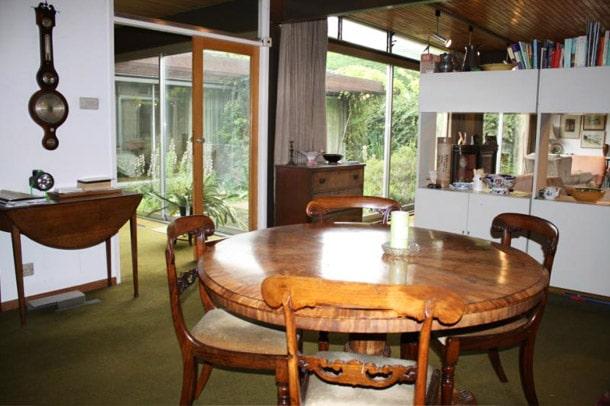 Manser bungalow - dining room