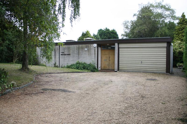 Manser bungalow - frontage