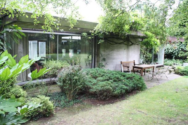 Manser bungalow - garden